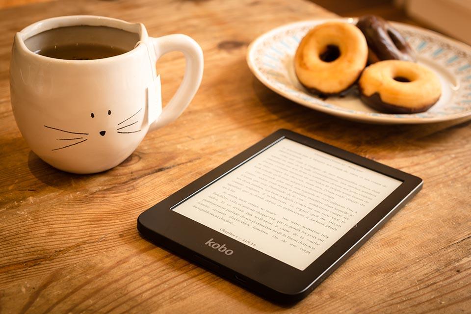liseuse-thé-lecture-détente