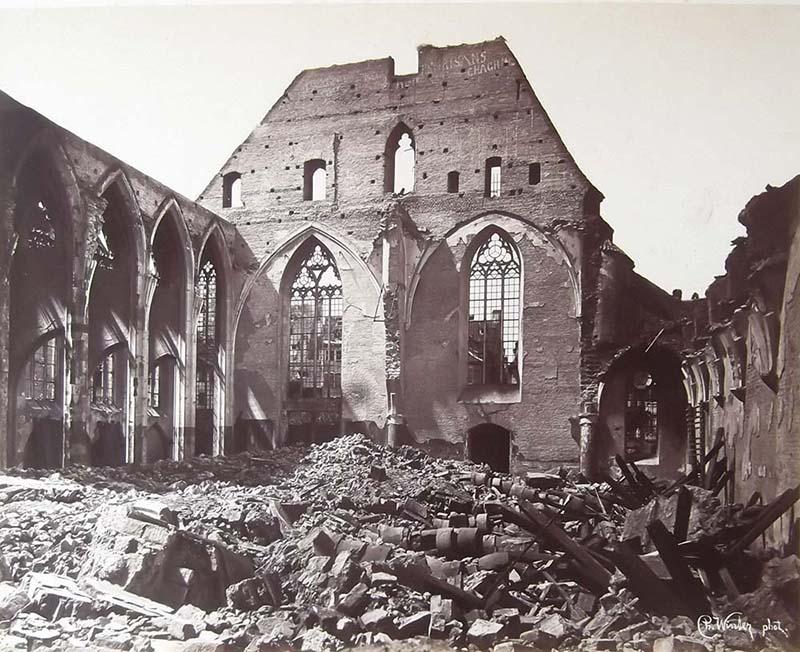 Le Temple Neuf (c) Charles David Winter